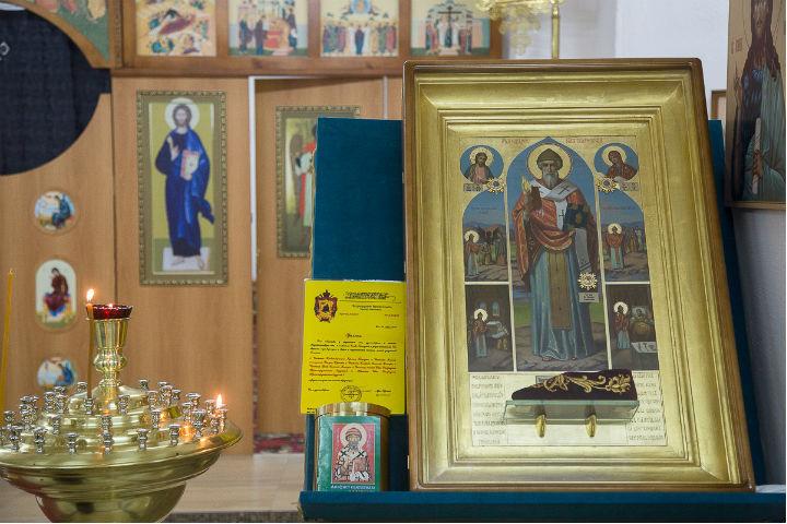 Вхрам Красноярска доставили коллекцию святынь сгоры Афон