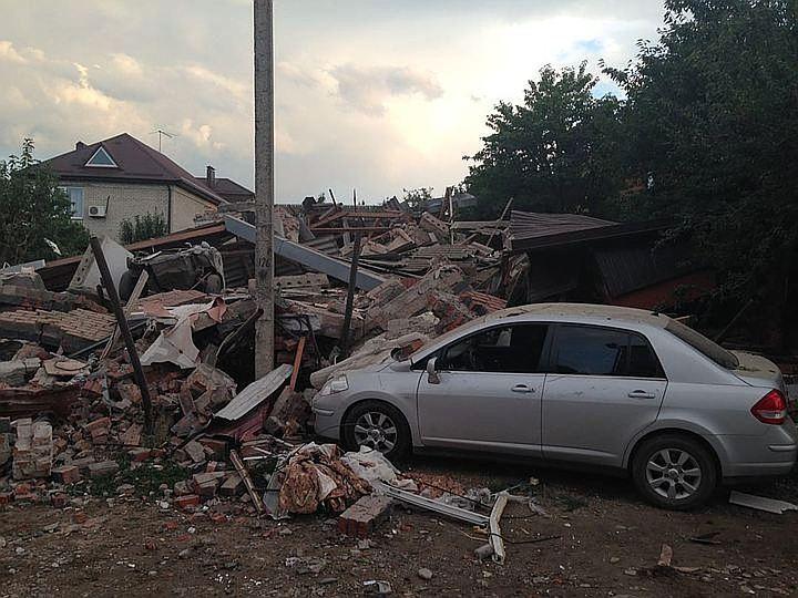 Взрыв газа навсе 100% уничтожил дом вКраснодаре, пострадал один человек Кубань