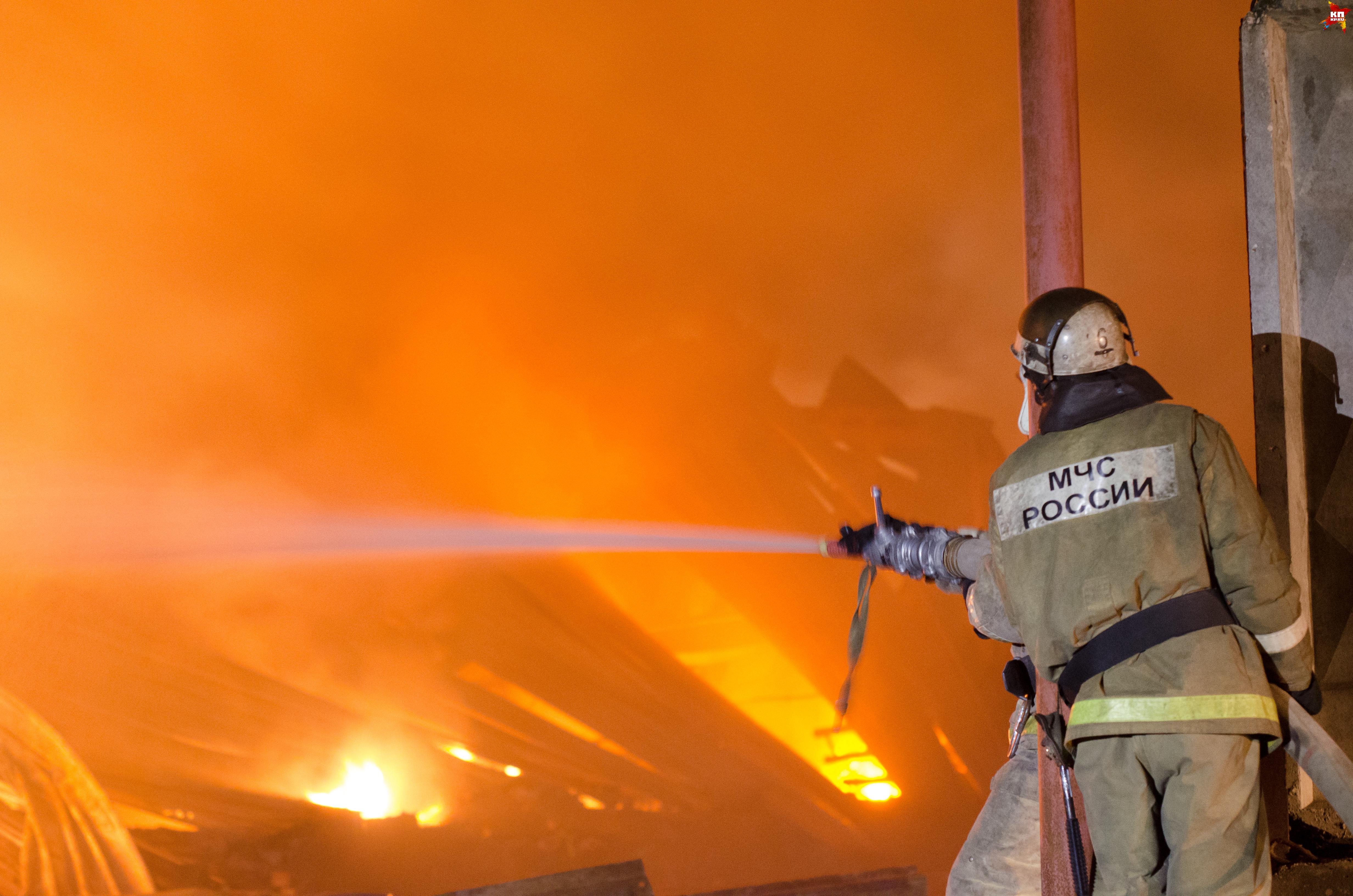 Ночью вОмске наЗавертяева за 5 часов сгорел коттедж