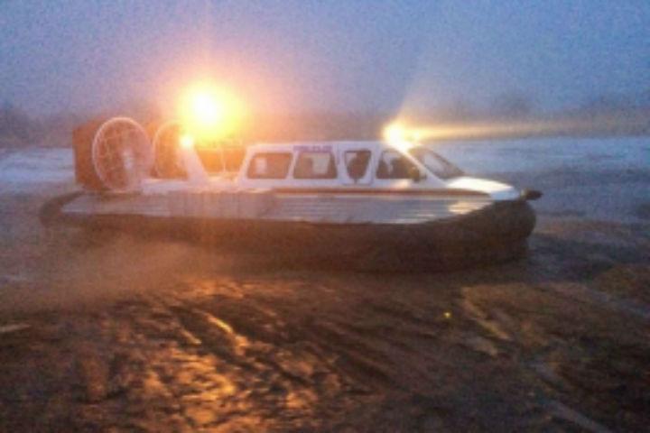ВВолховском районе Ленобласти трое рыбаков провалились под лед