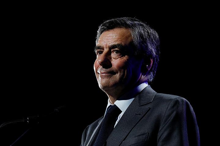 LeMonde: Франсуа Фийона подозревают вмошенничестве