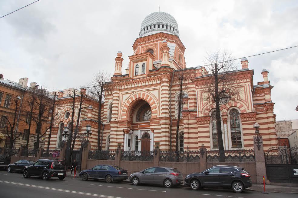 НаМаршала Новикова вПетербурге неизвестный ограбил администратора хоральной синагоги