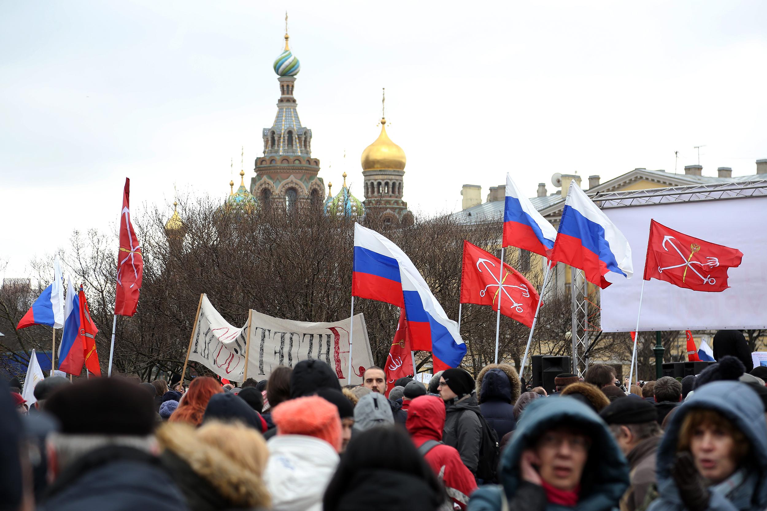Смольный не позволил митинговать заотставку Медведева вцентре Петербурга