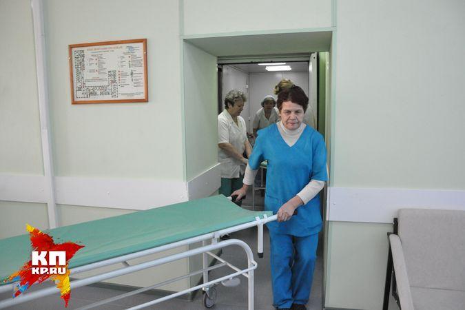 Нетрезвый сожитель пациентки едва незадушил травматолога вНовосибирской области