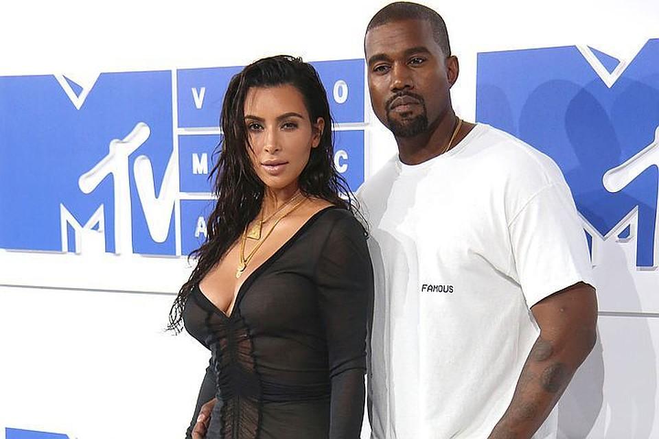 Ким Кардашьян сделает операцию ипопробует родить третьего ребёнка