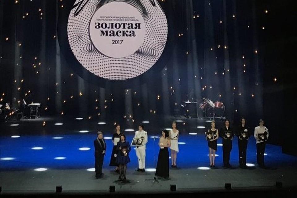 Пермский театр оперы ибалета получил три «Золотых маски» заоперу «Травиат ...