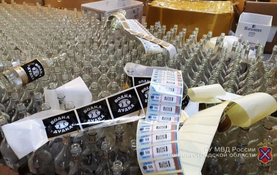 ВВолгограде предъявлено обвинение производителям контрафактного алкоголя