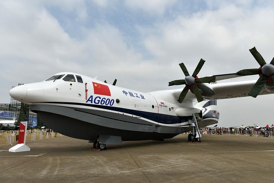 ВКитае провели испытания крупнейшего вмире самолета-амфибии
