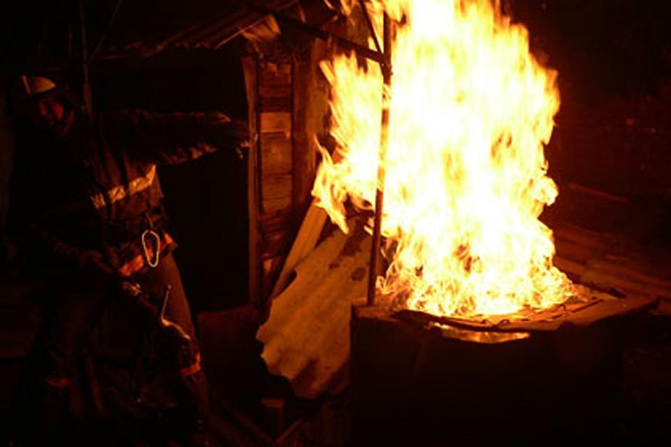 ВНовороссийске загорелась кровля частного дома