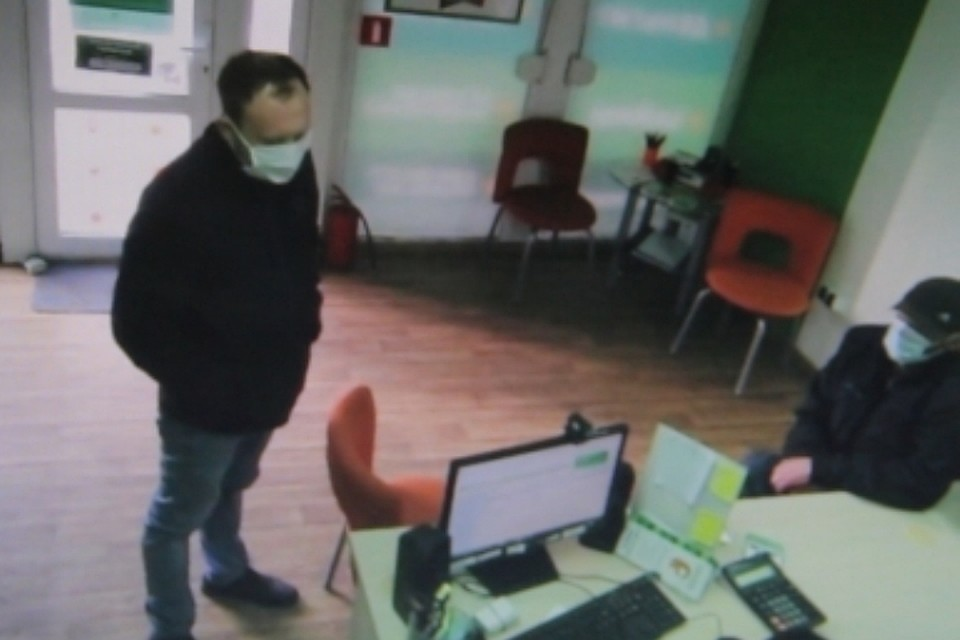 ВКалининграде двое мужчин вмасках пытались ограбить кабинеты микрозаймов