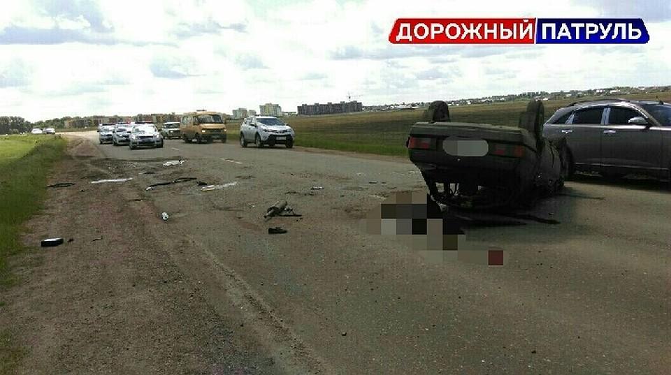 Под Уфой опрокинулся ВАЗ-21099, шофёр умер, пассажиры в клинике