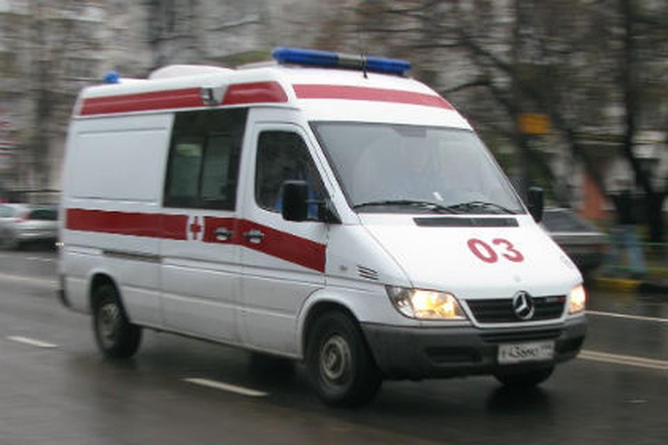ВОмске нетрезвый шофёр без прав въехал вавтомобиль сдетьми