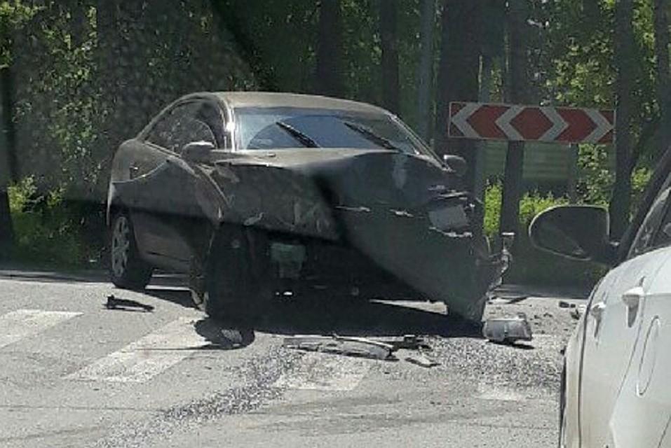 Владельцы автомобилей  вТюмени словили  водителя, который попытался сбежать сместа трагедии