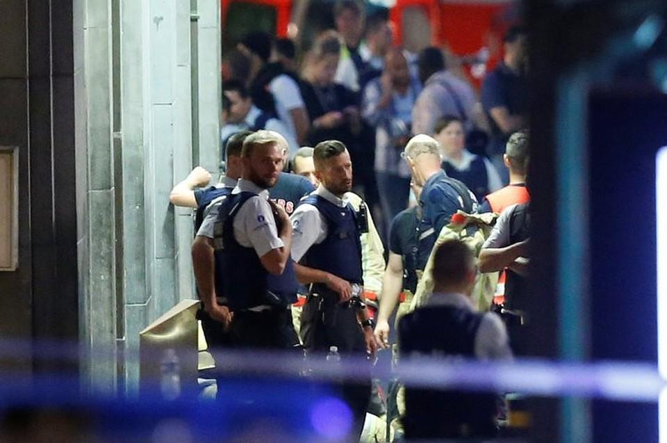 Полицейские вБрюсселе открыли огонь попытавшемуся совершить наних наезд шоферу