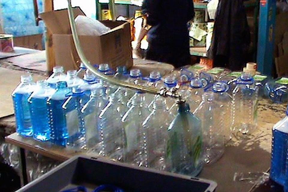 ВПетербурге был найден склад с50 тоннами нелегального алкоголя
