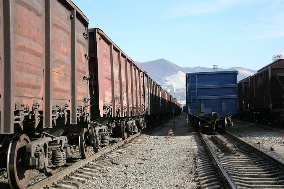 ВТуапсе грузовой поезд насмерть задавил мужчину