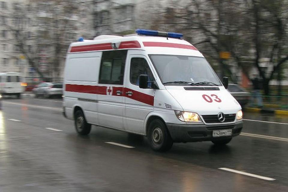 ВПетербурге четырнадцатилетний ребенок достаточно серьезно травмировался, безуспешно спрыгнув спарковки