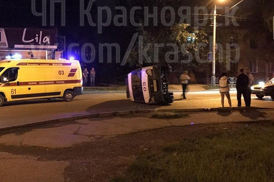 Направобережье Красноярска нетрезвый шофёр перевернул машину скорой помощи