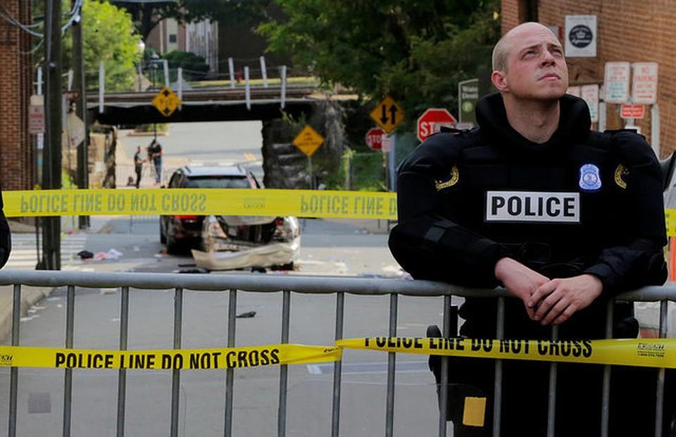 В результате беспорядков в Шарлотсвилле три человека погибли и еще 35 пострадали