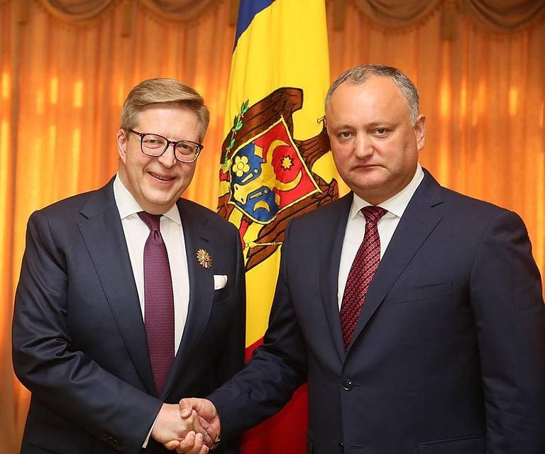 Додон предложил создать  новейшую  стратегию нацбезопасности Молдавии