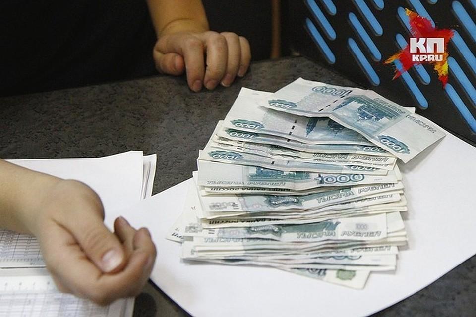 ВТуле приставы ввиде клиентов задержали разыскиваемого должника