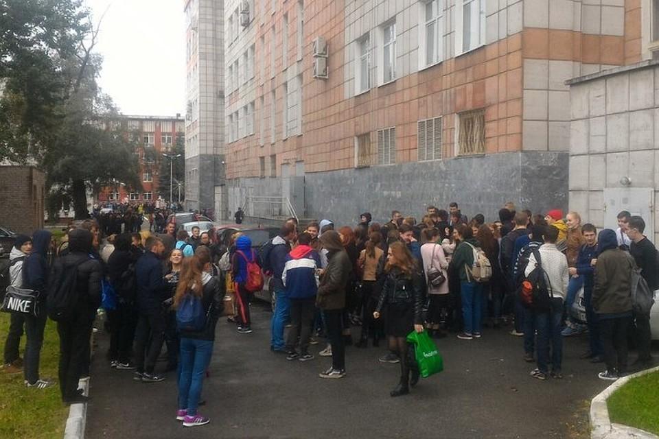 Изздания администрации Перми эвакуировали людей всвязи сугрозой взрыва