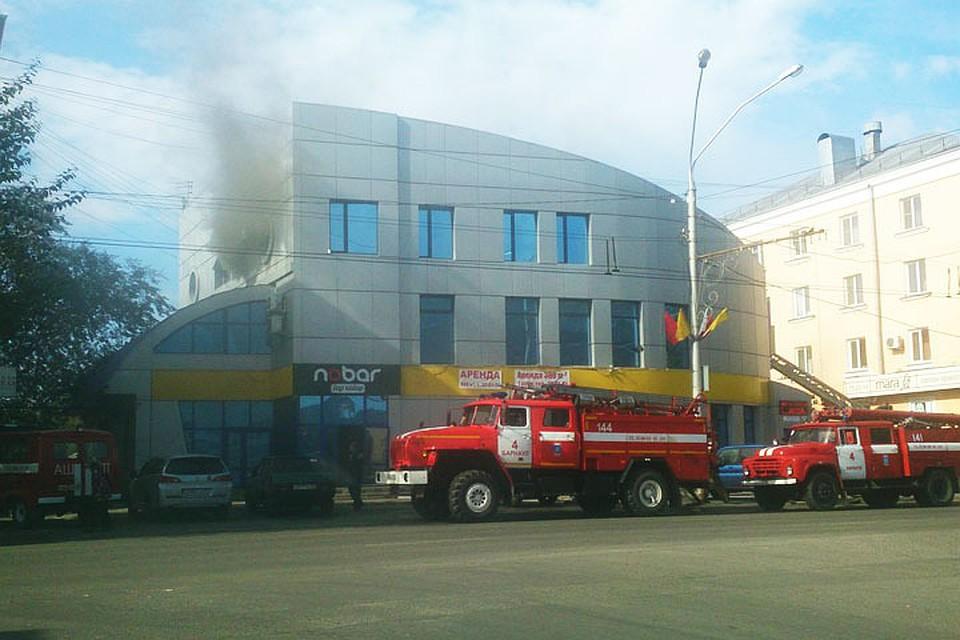 ВБарнауле горело строение бар-клуба Nobar напроспекте Ленина