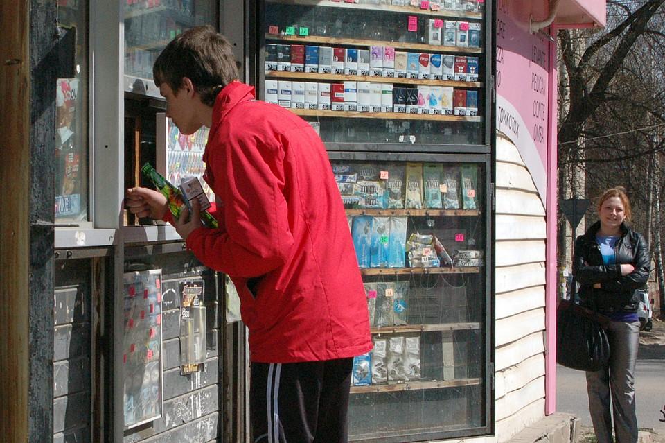 Общественники посоветовали облагать штрафом родителей запокупку детьми алкоголя