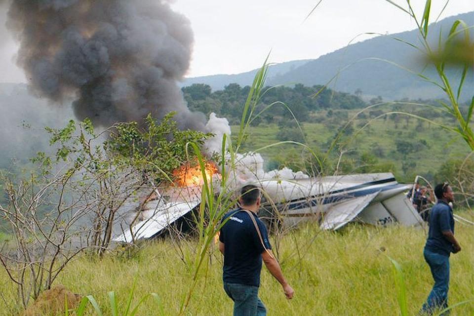 При крушении самолета вБоливии погибли 4 человека