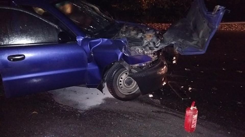 ВДТП спассажирским автобусом илегковушкой вКрыму пострадали двое