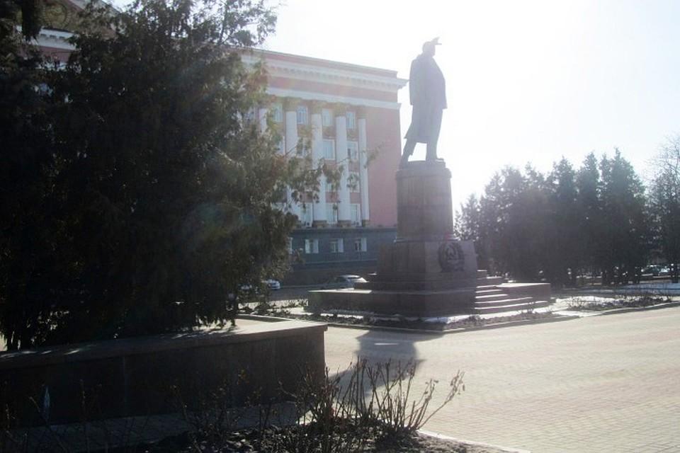ВКурске облагородят сквер у монумента вождю революции