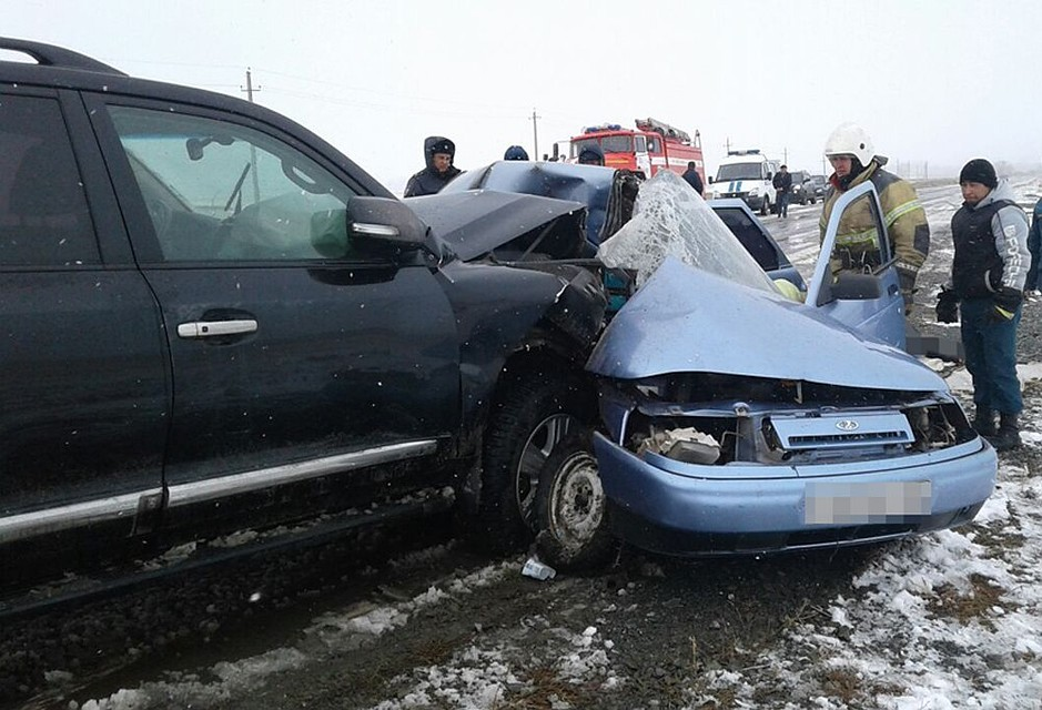 ВБашкирии вседорожный автомобиль въехал вВАЗ— погибли три человека