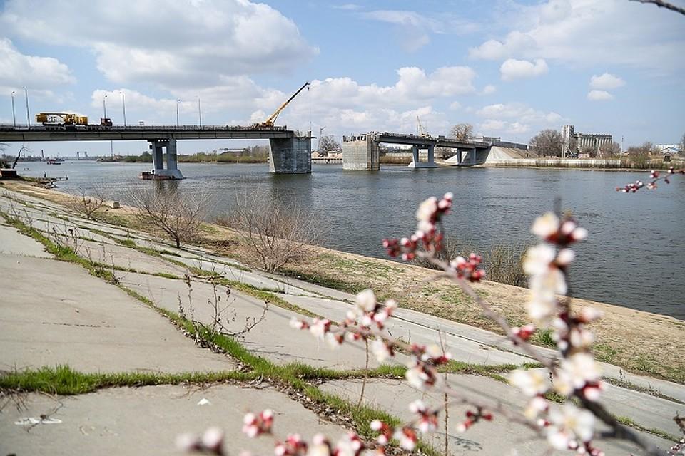 ВАстрахани открыли разводной мост после полноценного ремонта