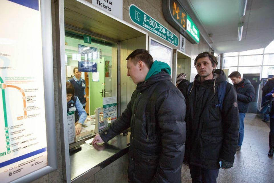 Метрополитен Петербурга решил увеличить тайм-аут для суточных проездных