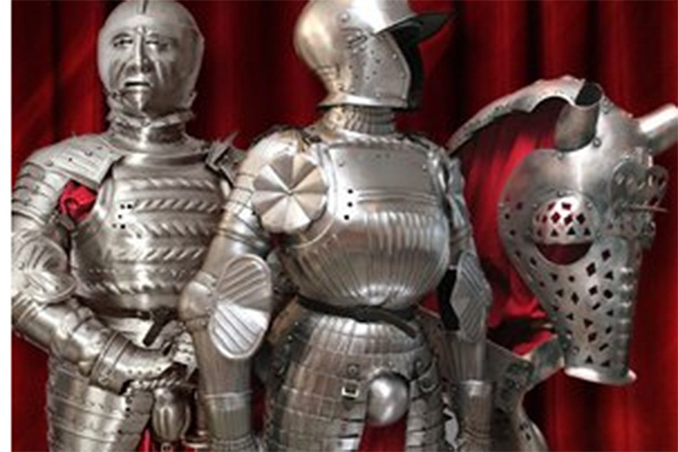 Смолянам представят рыцарские доспехи 16