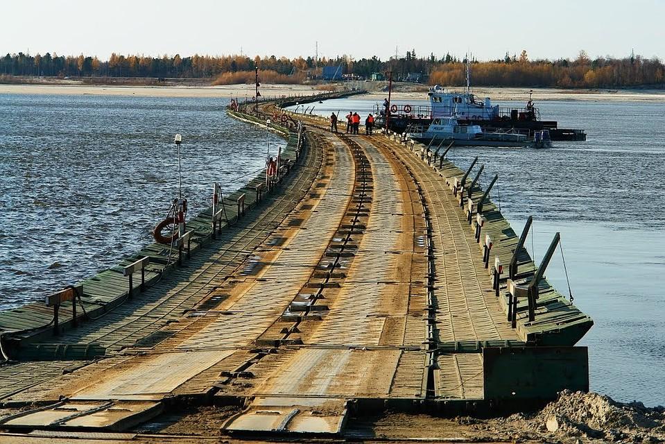 Понтонно-мостовая переправа через реку Пур открыта наЯмале