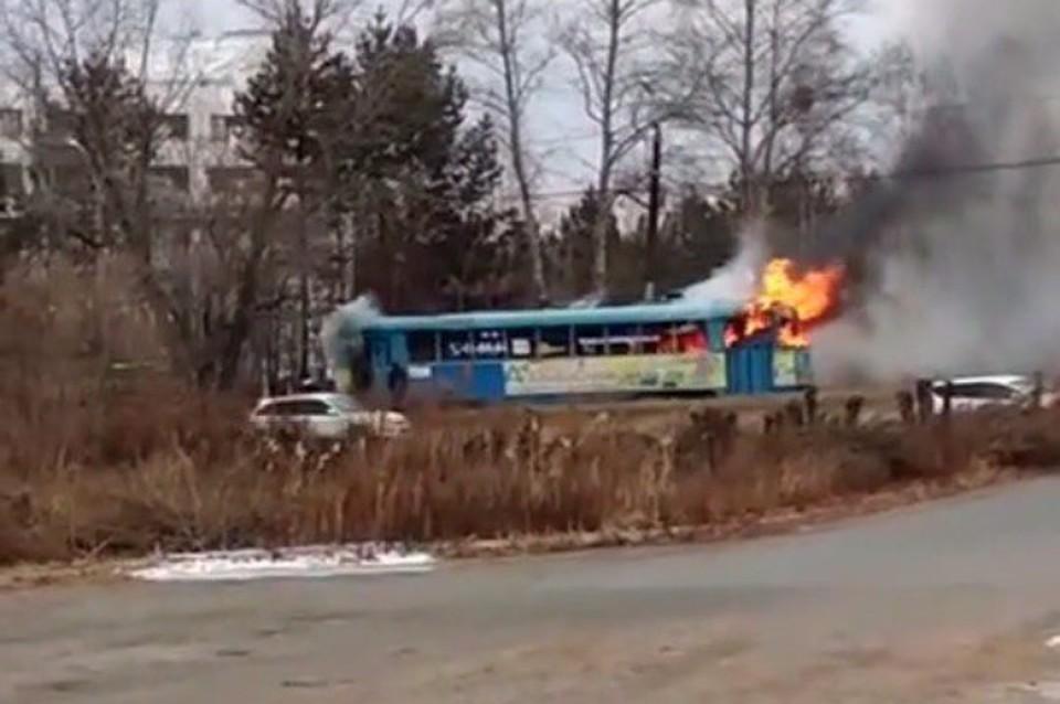 Трамвай спассажирами зажегся вХабаровске