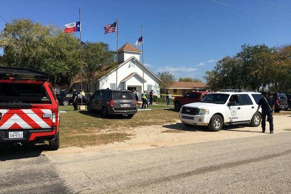 Жертвами стрельбы вТехасе стали 26 человек, около 20— пострадали