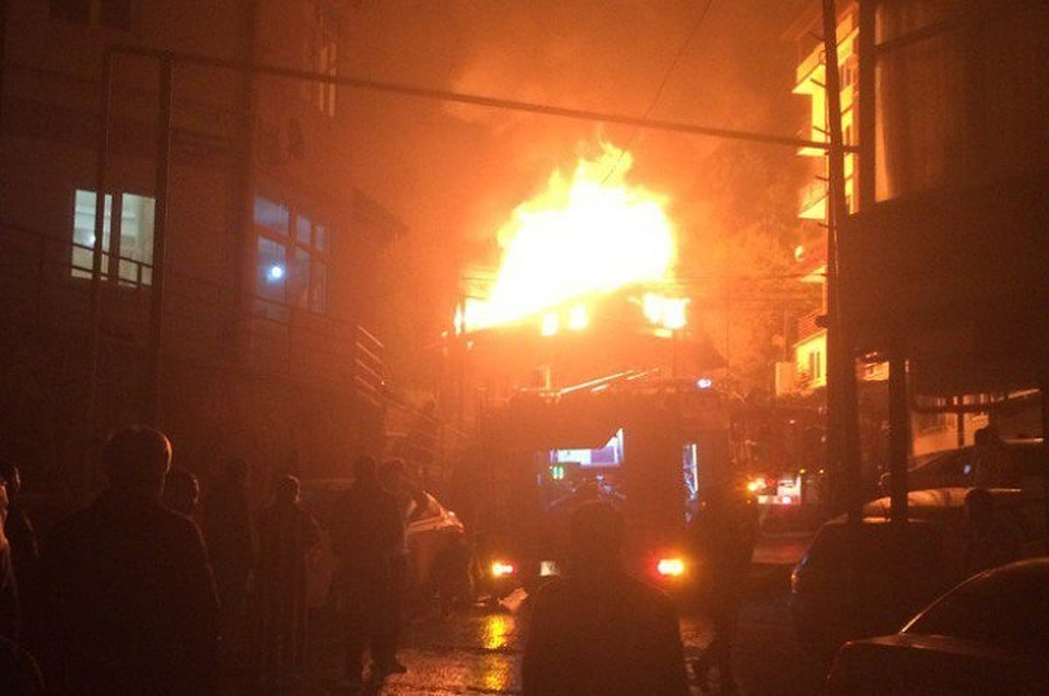 ВСочи потушили пожар вжилом доме