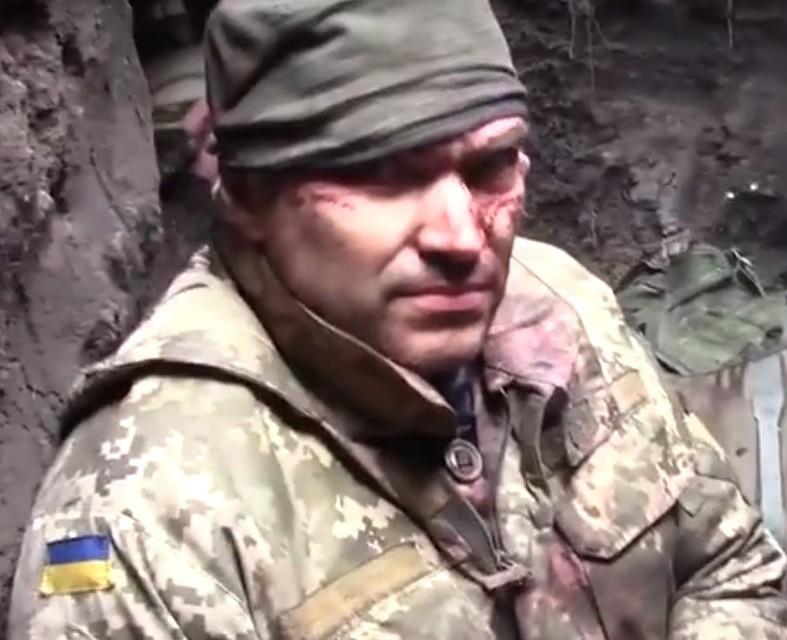 Боец ВСУ попал вплен: террористы опубликовали видео