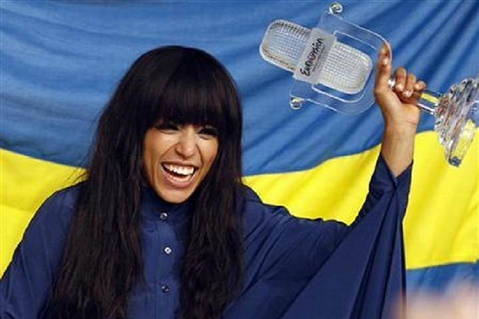 Победительница «Евровидения-2012» побрилась наголо— стиль ничего