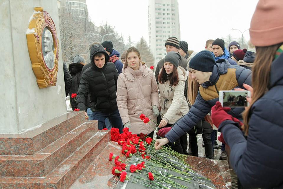 В Туле отмечают 76-ю годовщину обороны в города