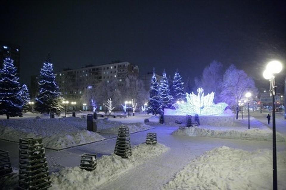 ВСамаре откроют 35 праздничных комплексов сновогодними елками