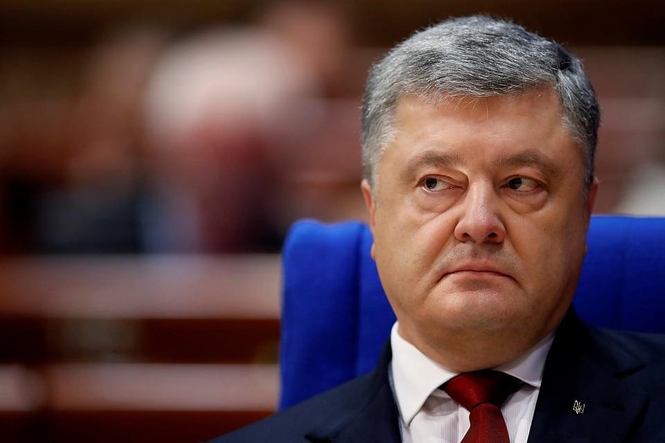 Порошенко выразил благодарность Канаде зарешение попоставкам оружия на государство Украину