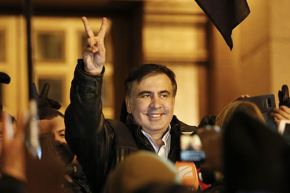 Экс-глава Минобороны Украины прокомментировал письмо Саакашвили президенту