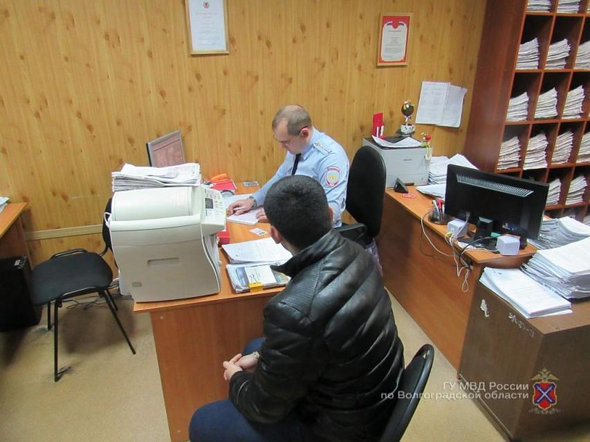 ВВолжском девятнадцатилетний нарушитель ПДД разъезжал наиномарке без госномеров
