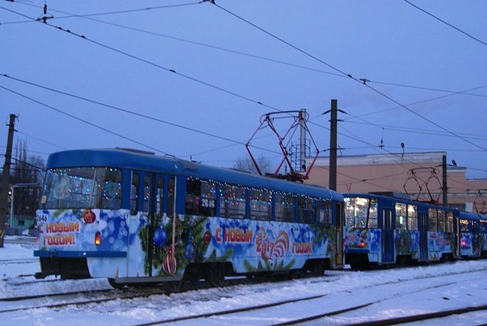 ВВолгограде намаршруты вышли новогодние трамваи