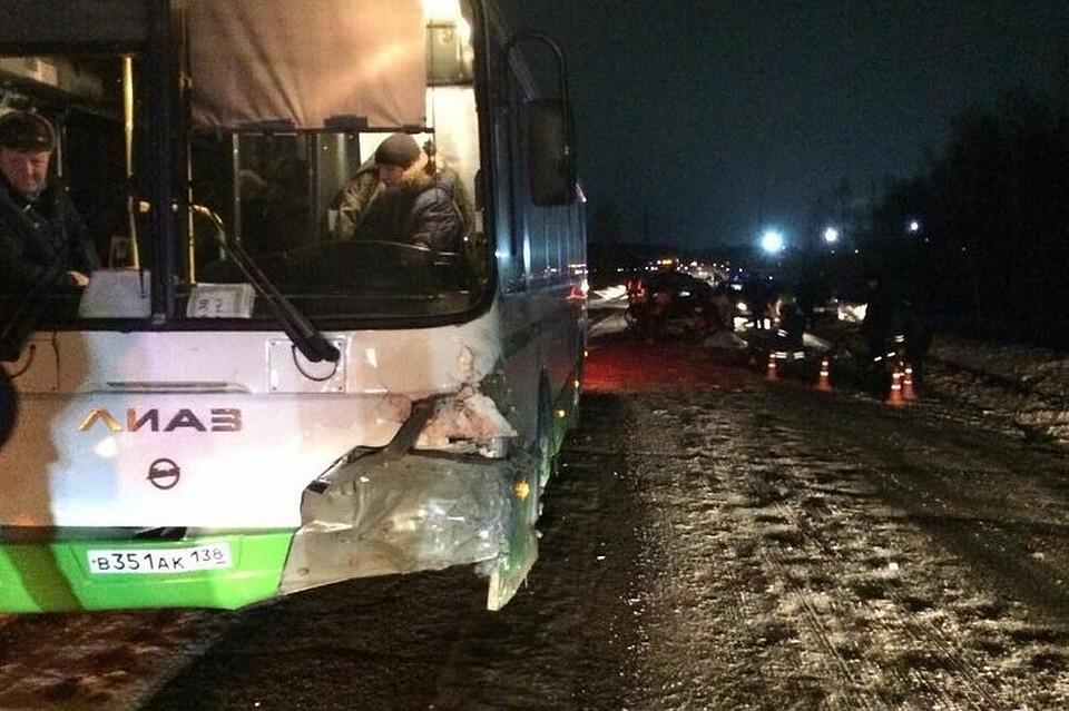 Две женщины погибли вДТП слегковушкой иавтобусом под Ангарском