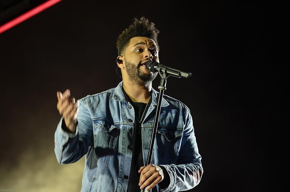 Канадский солист The Weeknd разорвал сотрудничество с H&M из-за расистского скандала