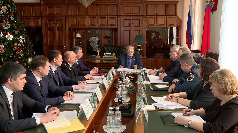 Аман Тулеев провел рабочую встречу посейсмической опасности вКузбассе